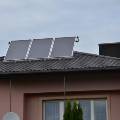 Instalacja solarna 3-panelowa.